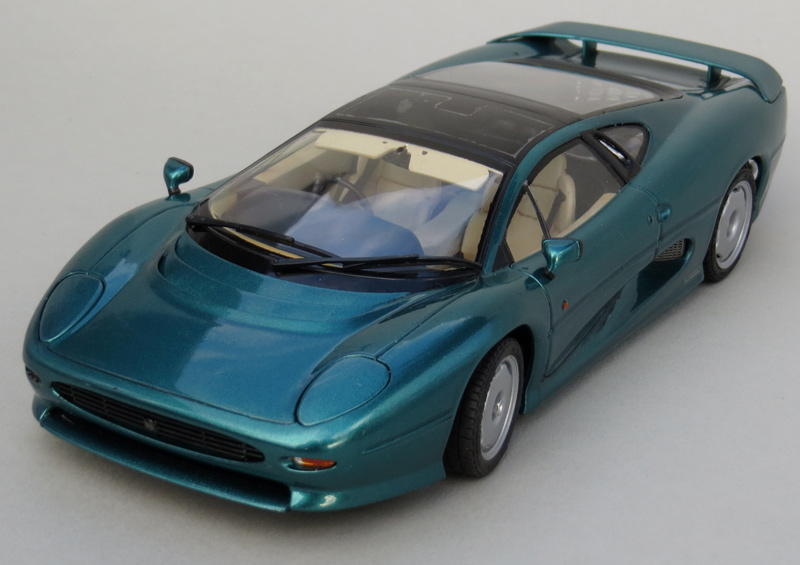 xj220-high-front-left-people-shaped.jpg